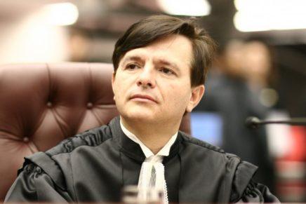Ministro do TSE diz que partidos podem ser extintos