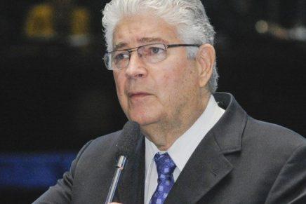 """Retrocesso"", diz Requião sobre voto distrital misto"