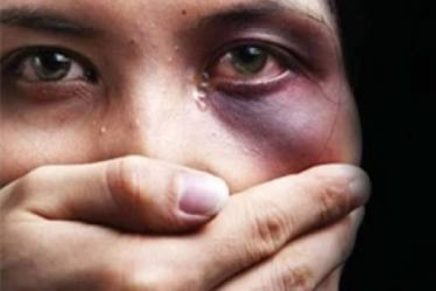 Curitiba registra um caso de violência contra a mulher a cada três horas