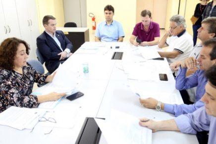 Mudanças no IPTU e ISS de Curitiba avançam na Câmara