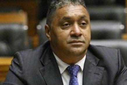 """Tiririca renuncia: """"estou decepcionado com a política"""""""