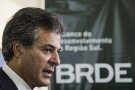 STJ encaminha ação penal contra Richa à Justiça Federal do Paraná