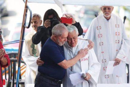 Bispo que presidiu ato com Lula em sindicato diz que aceitaria convite de novo