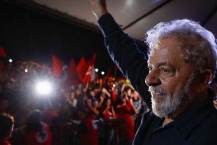 PT decide lançar candidatura de Lula no dia 27, diz deputado