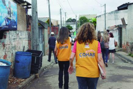 Funcionários da Cohab-Curitiba entram em greve por atraso de salário