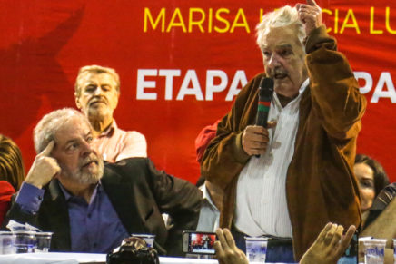 Mujica visita Lula