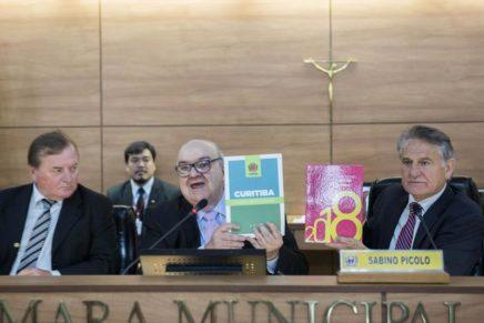 Prefeitura de Curitiba apresenta balanço das contas na Câmara