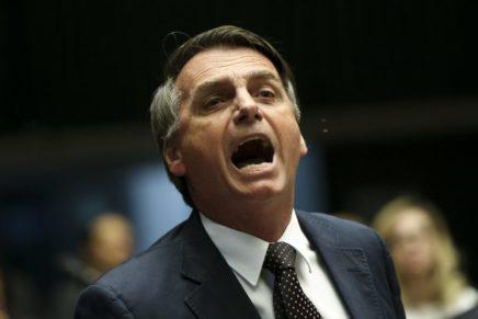 """Bolsonaro cria """"Lava Jato da educação"""" e trata professores como caso de polícia"""