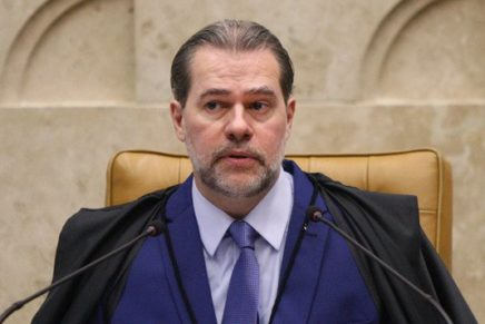 Toffoli quer investigar quem financia as milícias digitais