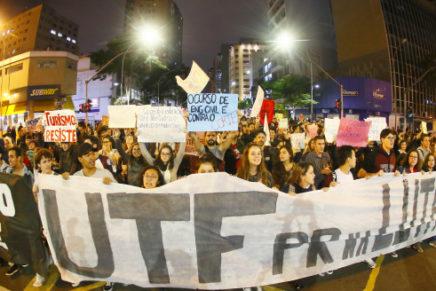 Dia de Greve Nacional da Educação mobiliza diversas categorias em Curitiba