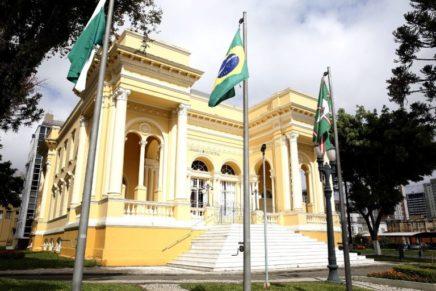 Por decisão da Justiça, cadeira de vereador fica vaga na Câmara de Curitiba