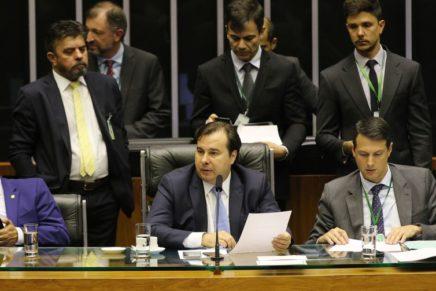 Câmara rejeita todos destaques e aprova reforma da Previdência