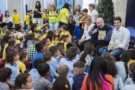 Programa Curitibinhas Poliglotas beneficia seis mil estudantes