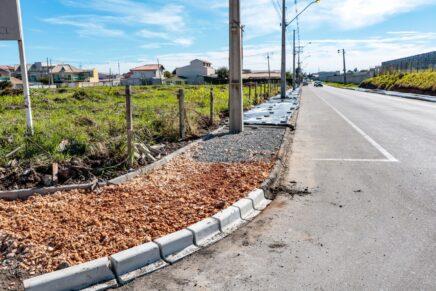 Pinhais: Rua Alto Paraná recebe calçada porosa